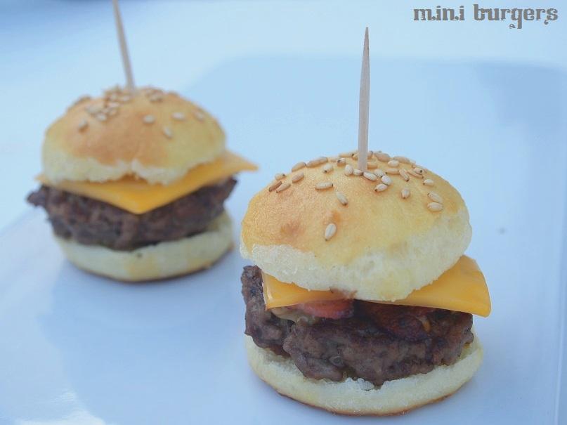 La recette de les mini-burgers paysans au bon lard grillé - #miniburgers - http://www.confitbanane.com/