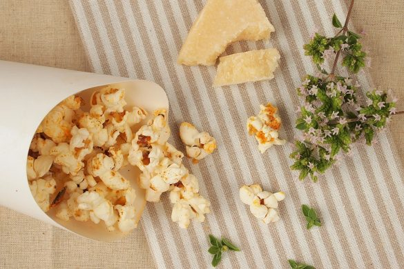 Pop-corn parmesan origan paprika