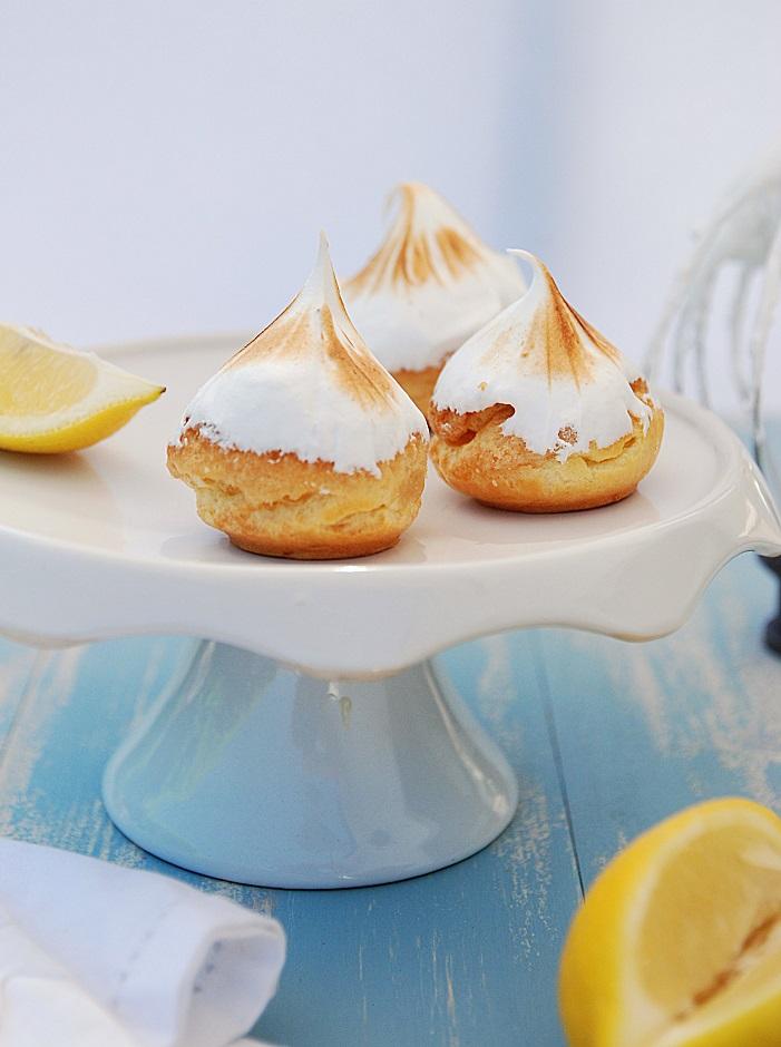 La recette des choux au citron meringuée - http://www.confitbanane.com/