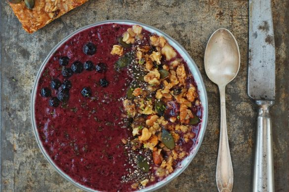 Smoothie bowl aux myrtilles 2