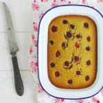 La meilleure recette pour utiliser des blancs d'oeufs... les financiers! Avec cette recette de financier comme un cake à partager parfumé au thé matcha et framboises, vous n'aurez plus jamais de blancs d'œufs de reste. http://www.confitbanane.com/