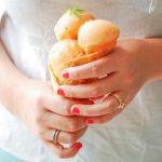 Un bon sorbet melon verveine, une recette fraîche pour se rafraîchir l'été.