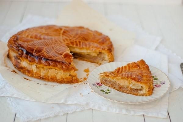 Une galette des rois aux noix de pecan et bergamote... recette de http://www.confitbanane.com/
