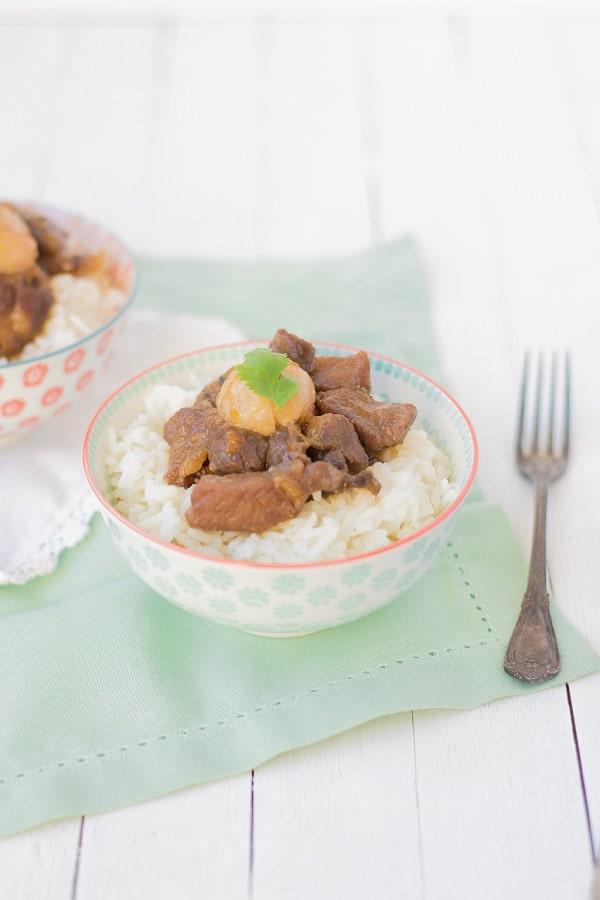Une recette asiatique parfumée avec ce porc aux litchis - http://www.confitbanane.com/