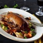 cuisiner le gibier avec cette recette facile de canard colvert farci au foie gras accompagné de légumes d'automne rôtis -- recette by Confit banane