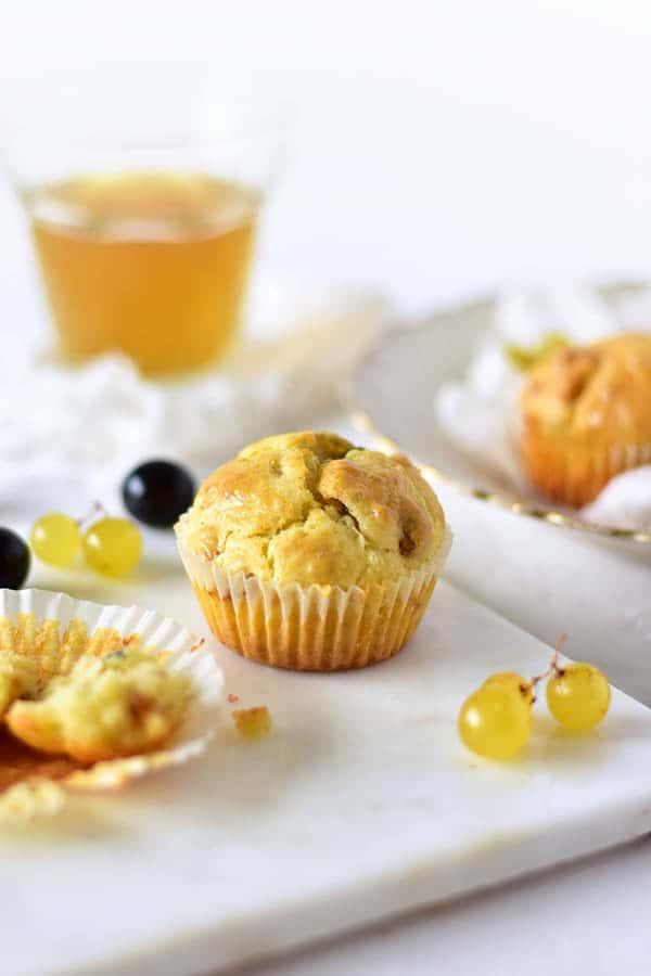 une recette de mini cake salé au bleu et raisin