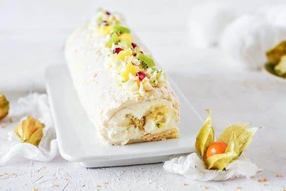 Recette de la bûche comme un pavlova exotique - #christmascake #christmas #buche #buchedenoel #pavlova #BucheDeNoel #Recette de Noel -- Confit Banane