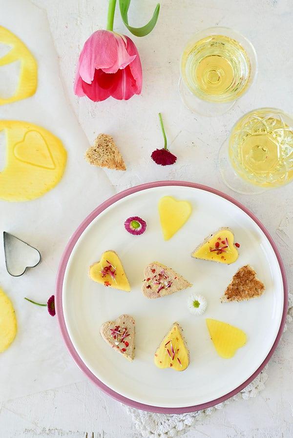 Un apéro express pour la St-valentin avec du foie gras -- confit banane --