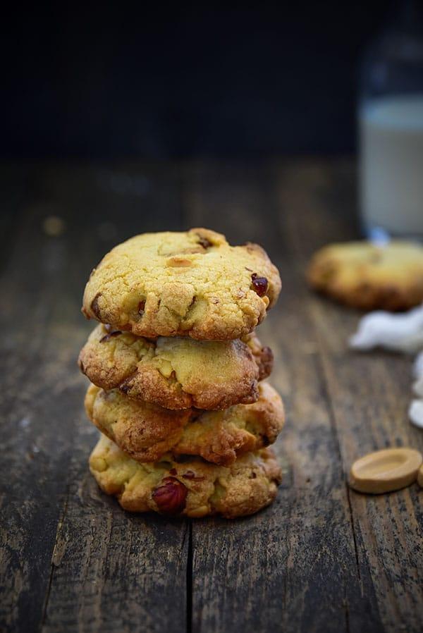 La recette ultime des #cookies au chocolat Dulcey, noisettes, noix de Pecan & noisettes -- Confit Banane
