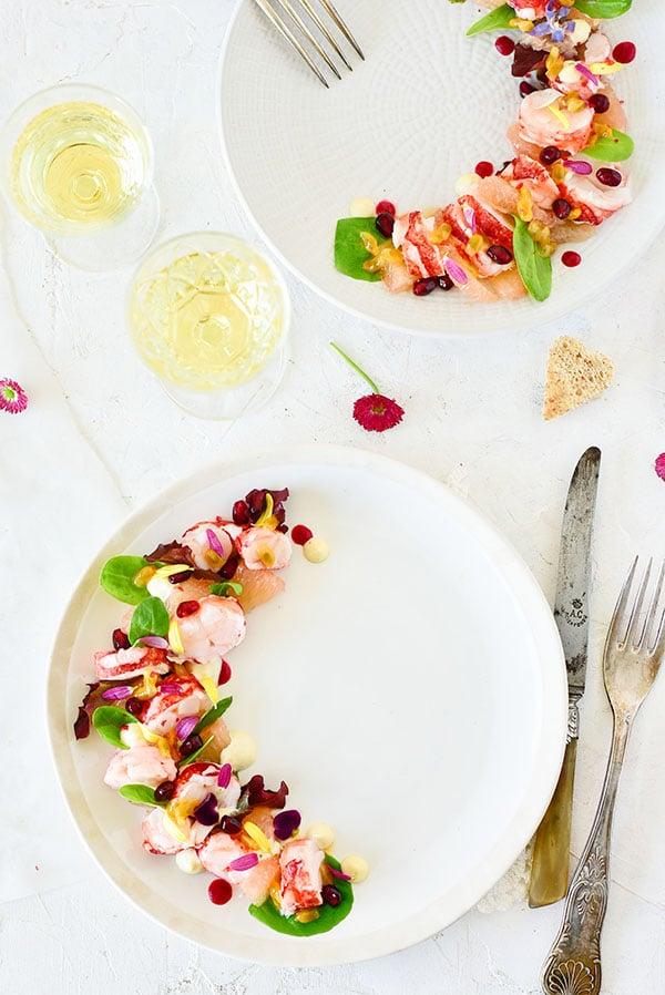 #salade pour une saint valentin avec du homard, du pamplemousse et une mayonnaise au yuzu -- confit banane