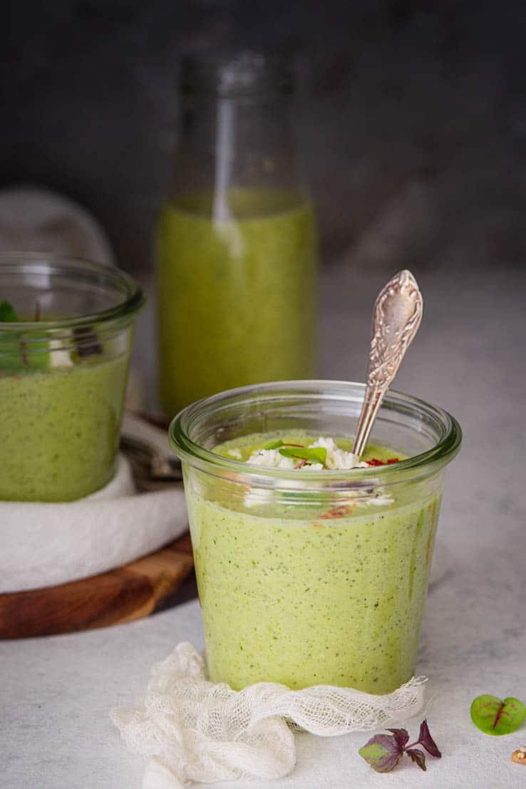 soupe de courgette froide à la feta menthe & basilic