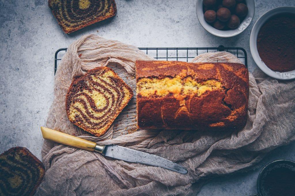 recette de cake marbré à l'amande & chocolat - confitbanane