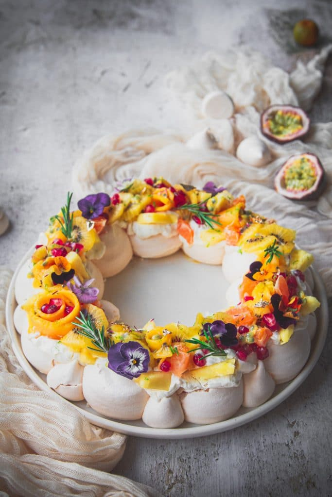 pavlova en couronne de Noel - confit Banane