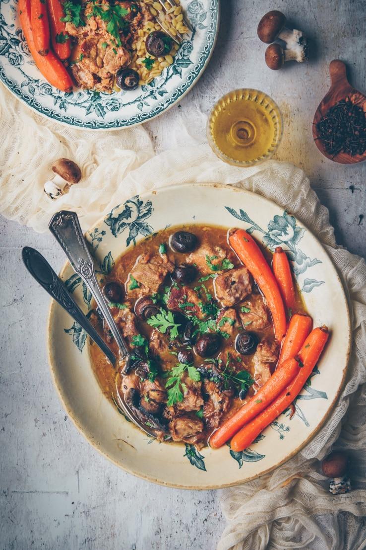 sauté de porc au cidre, champignons de Paris & carottes - ConfitBanane