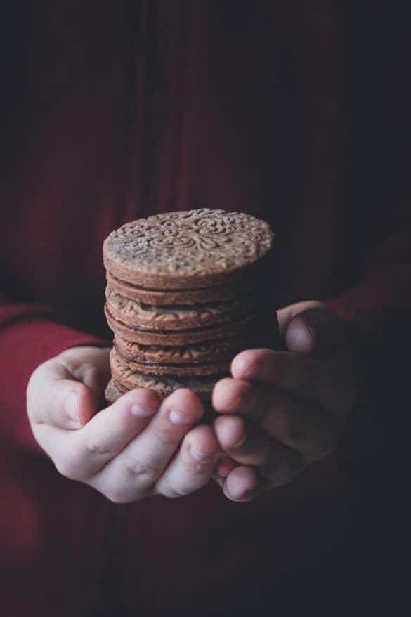 filled-chocolate-cookies-recipe-confitbanane