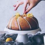recette de cake moelleux comme une madeleine au citron - confitbanane