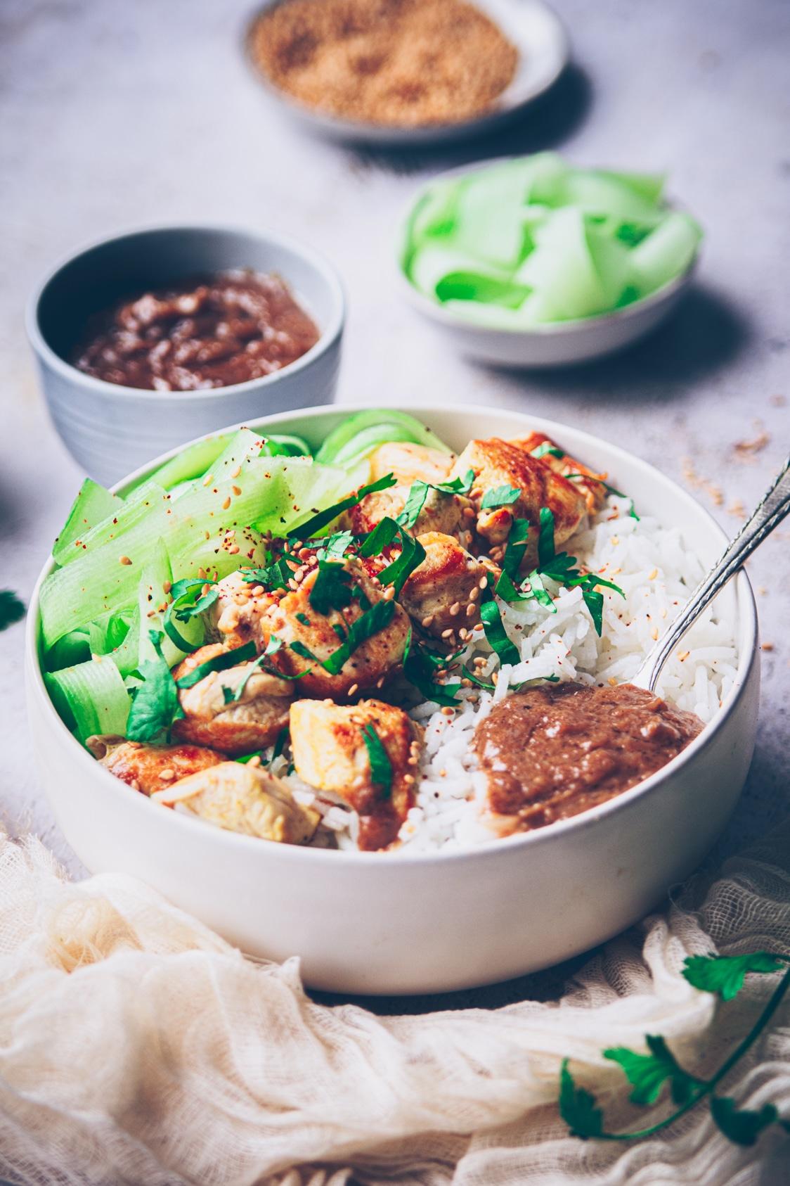 recette de blanc de poulet parfumé à la sauce satay - confitbanane