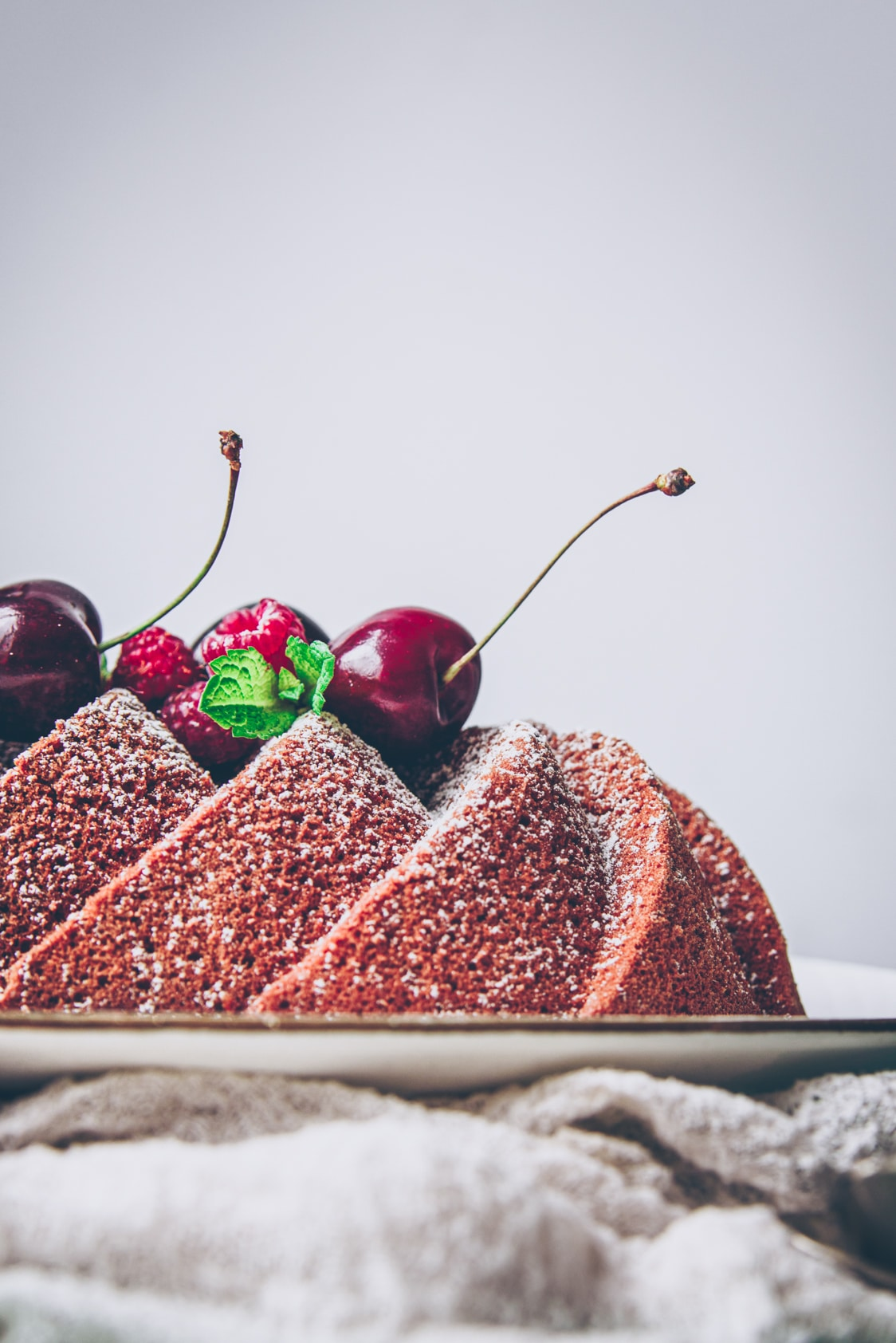 recette de cake moelleux au mascarpone et framboises - confitbanane