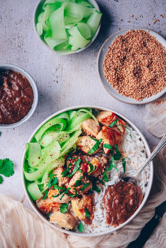 recette de blanc de poulet à la sauce satay - confitbanane