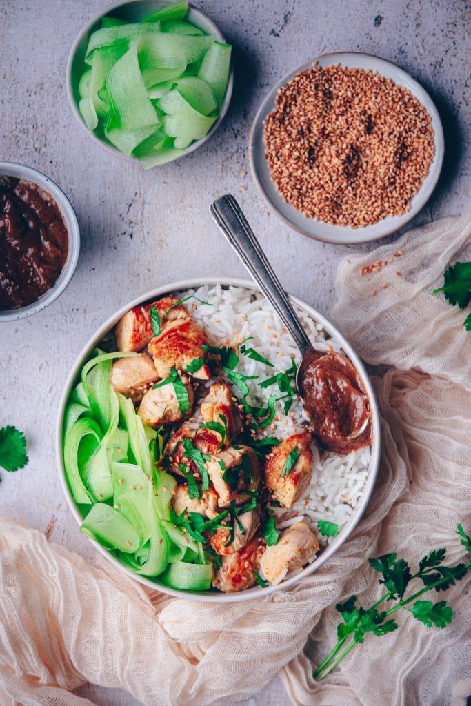 recette de blancs de poulet à la sauce satay - confitbanane